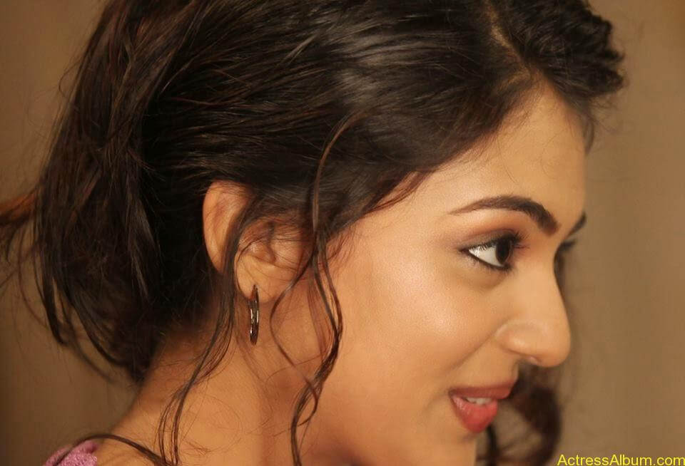 Actress Nazriya Nazim hot