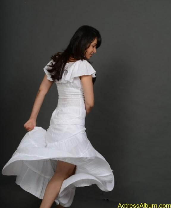 actress nisha kothari photos (12)