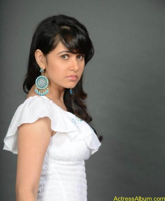 actress nisha kothari photos (3)
