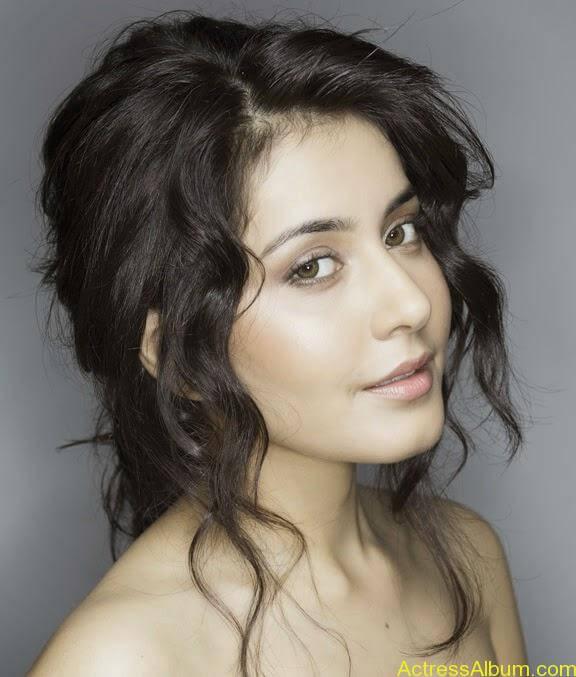 Actress Rashi Khanna Hot Dress Photos 1