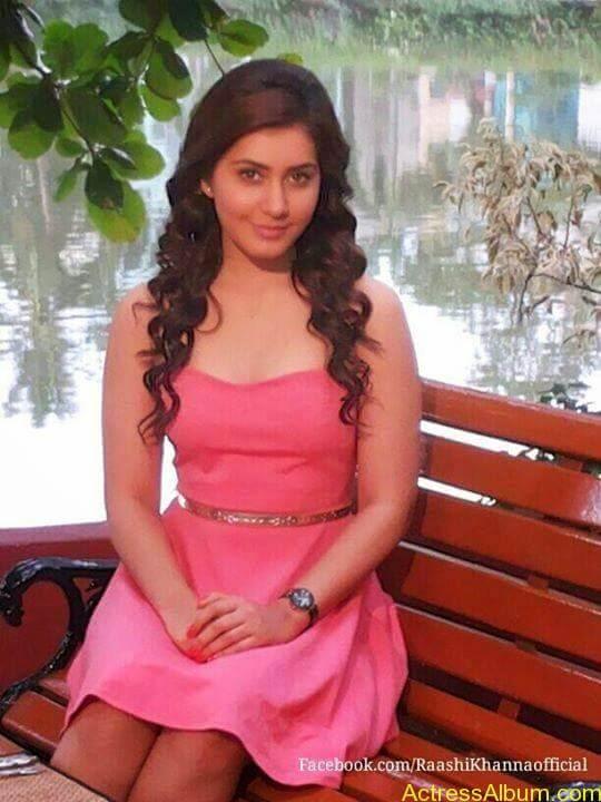 Actress Rashi Khanna Hot Dress Photos 10