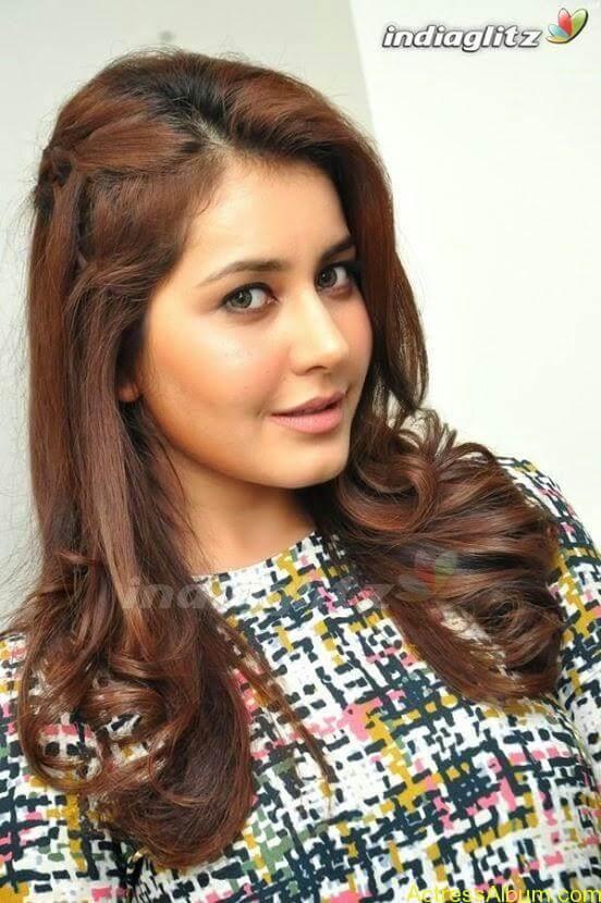 Actress Rashi Khanna Hot Dress Photos 5