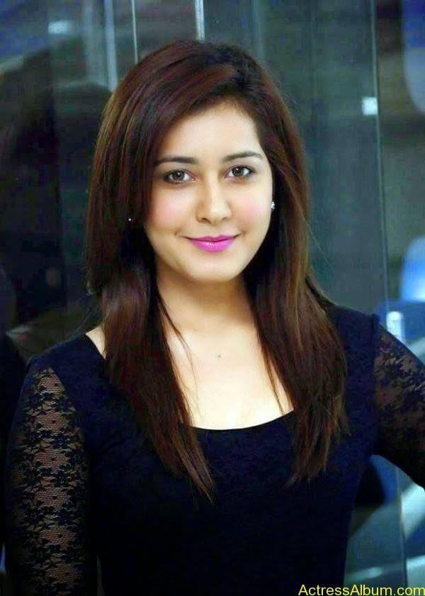 Actress Rashi Khanna Hot Dress Photos 7
