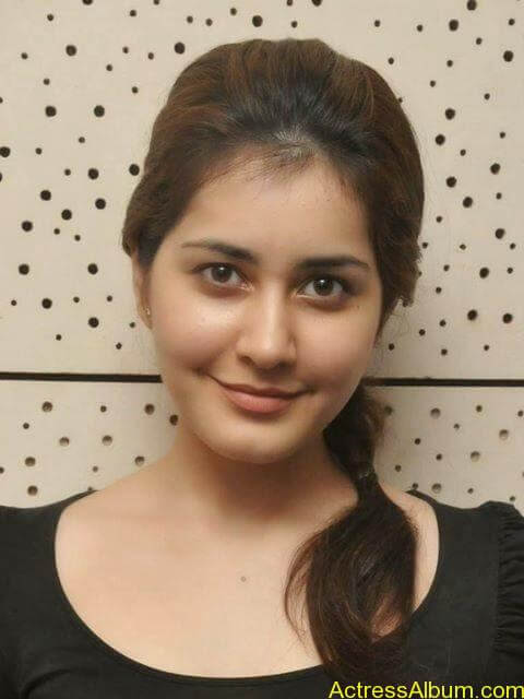 Actress Rashi Khanna Hot N Sexy Pics