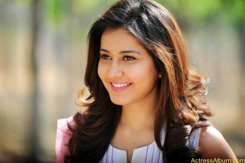 Actress Rashi Khanna Hot N Sexy Pics1