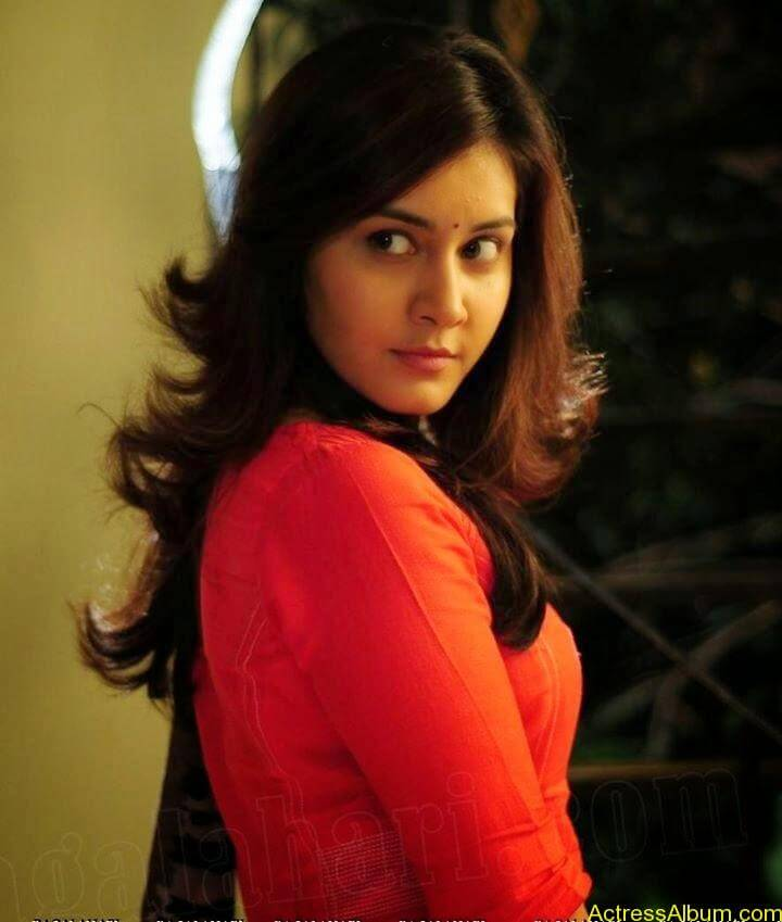 Actress Rashi Khanna Hot N Sexy Pics11