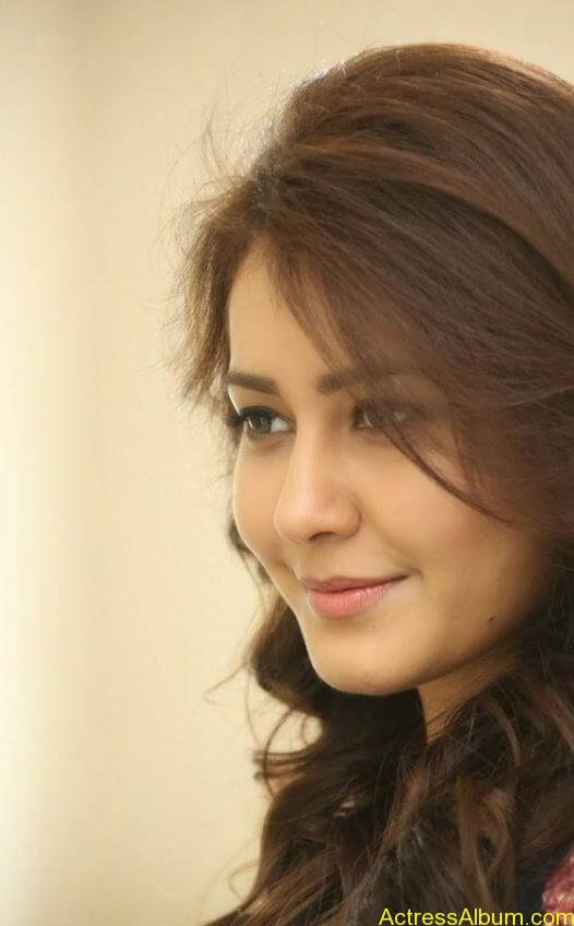 Actress Rashi Khanna Hot N Sexy Pics13