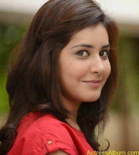 Actress Rashi Khanna Hot N Sexy Pics9
