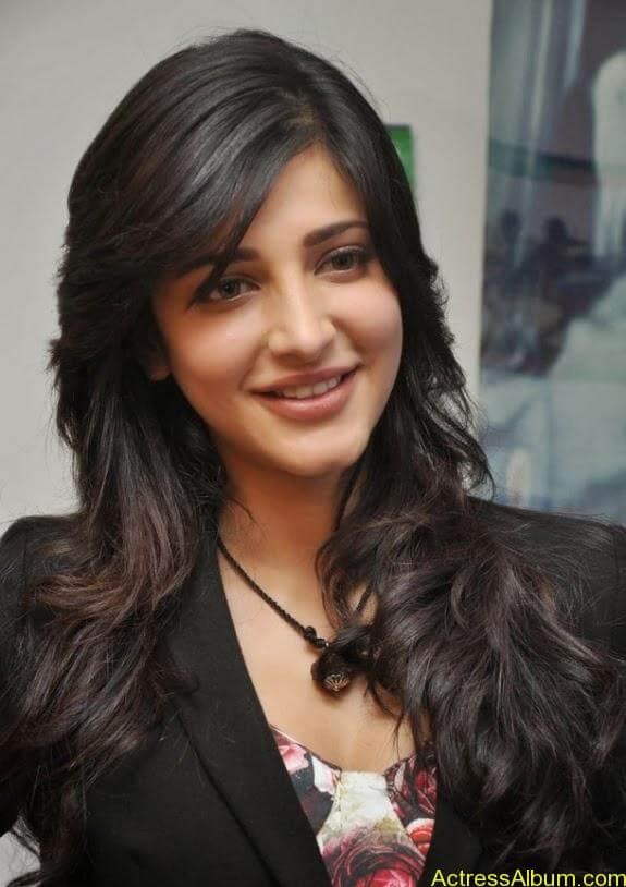 Actress shruti hassan photos stills (10)