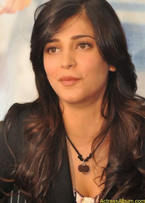 Actress shruti hassan photos stills (7)