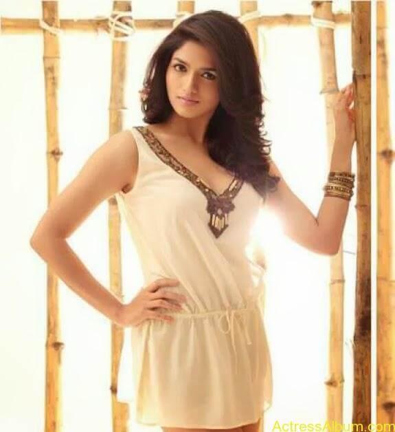 Actress Sunaina latest photos (1)