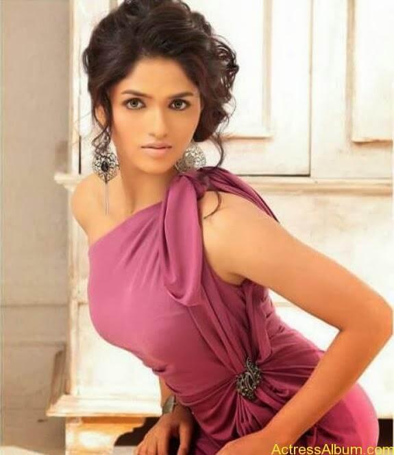 Actress Sunaina latest photos (11)