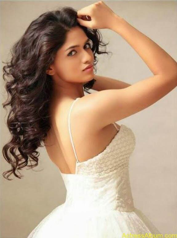 Actress Sunaina latest photos (3)