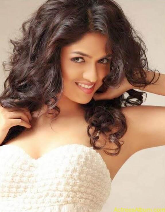 Actress Sunaina latest photos (4)