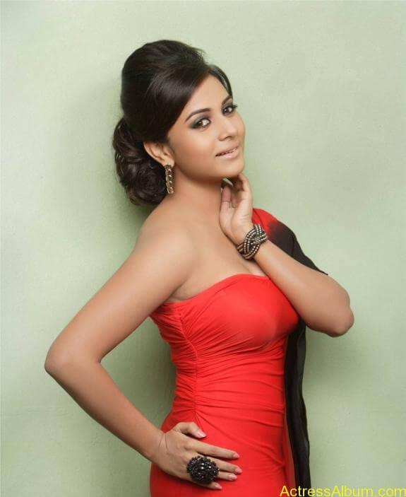 actress suza kumar hot photos (16)