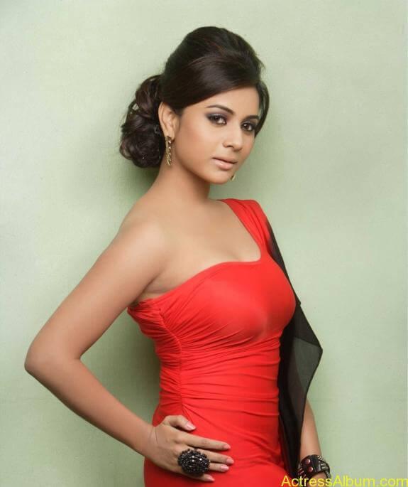actress suza kumar hot photos (18)