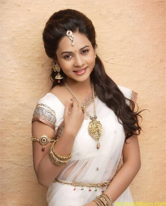 actress suza kumar hot photos (2)