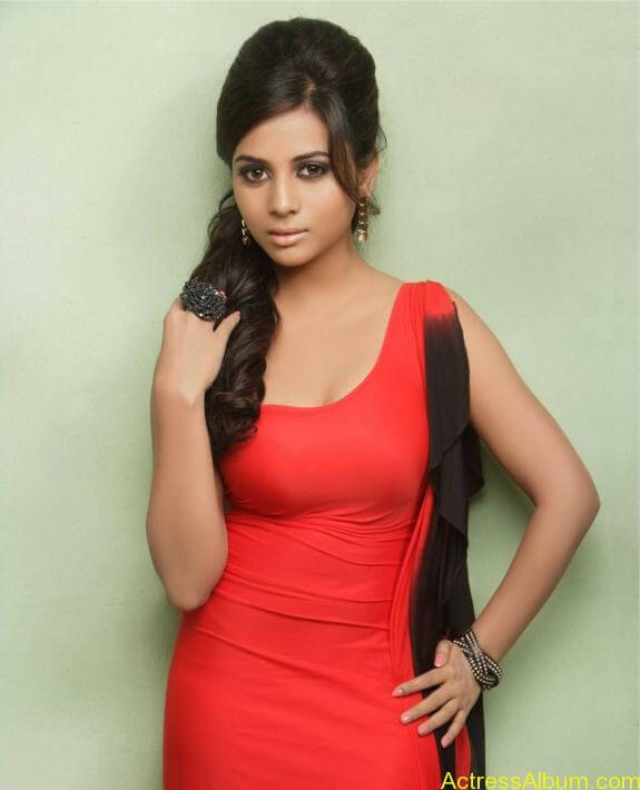 actress suza kumar hot photos (21)