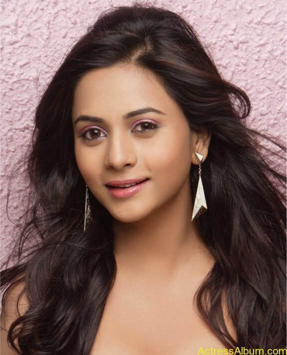 actress suza kumar hot photos (28)