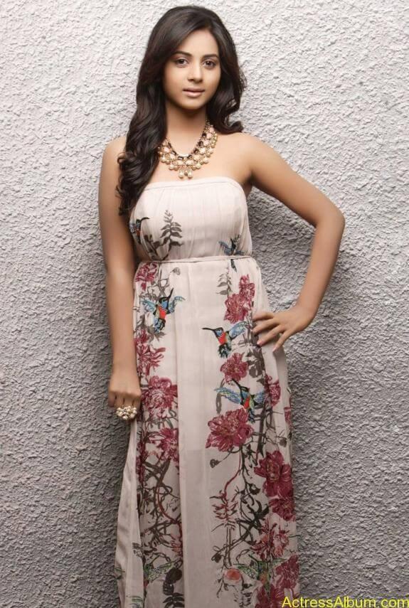actress suza kumar hot photos (31)