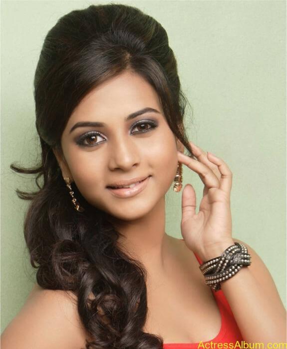actress suza kumar hot photos (32)