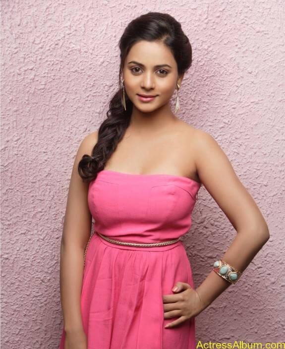 actress suza kumar hot photos (33)