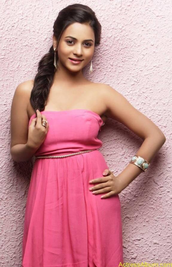 actress suza kumar hot photos (36)