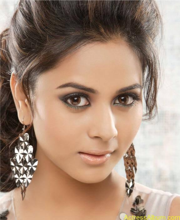 actress suza kumar hot photos (9)