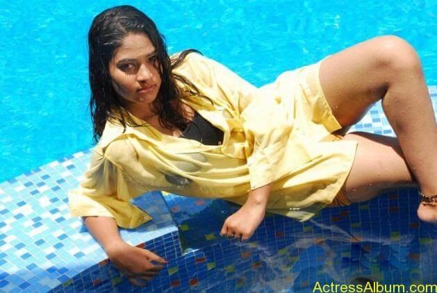 Actress swimsuit pics 3[2]