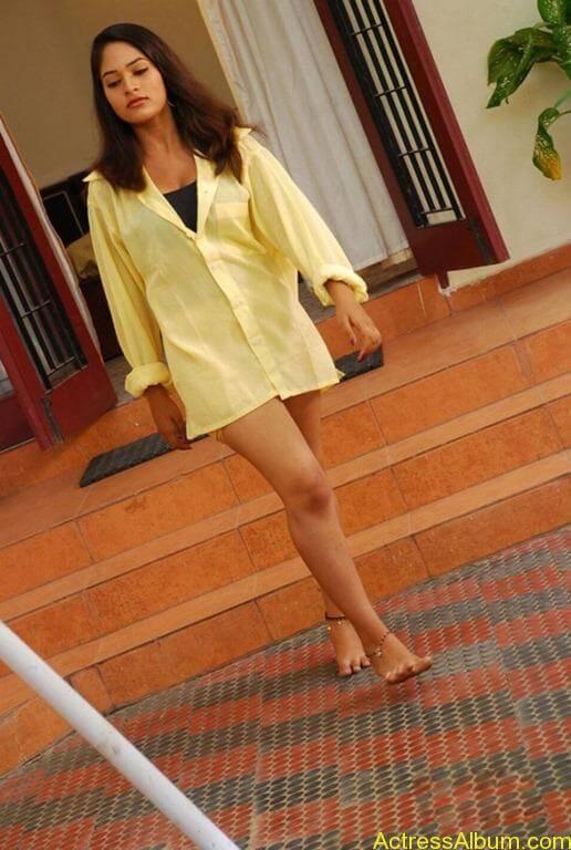 Actress swimsuit pics 9[2]