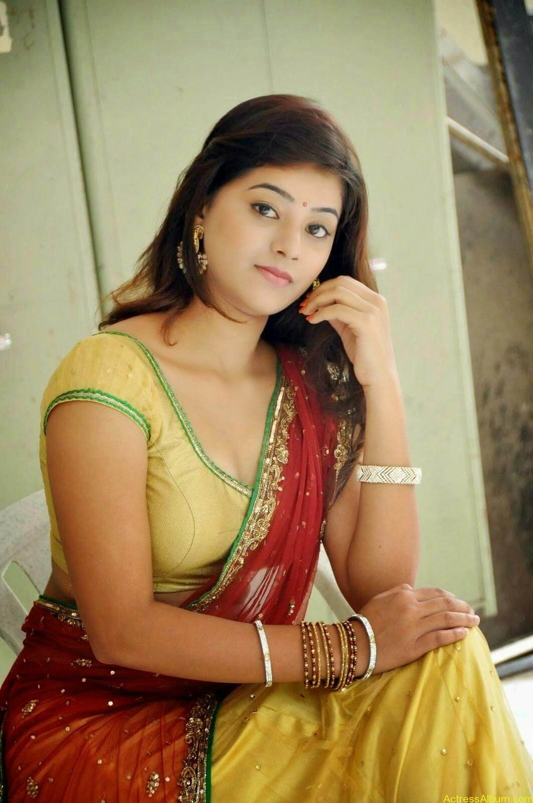 Actress Yamini Hot in Saree stills 1