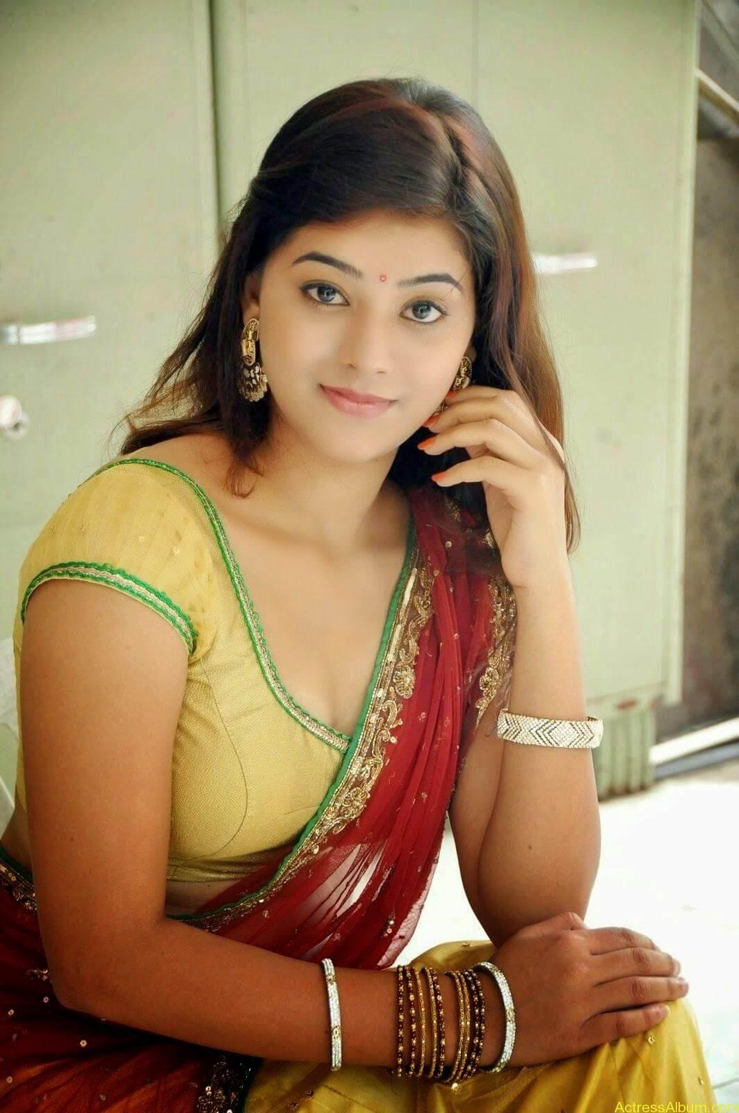 Actress Yamini Hot in Saree stills 2