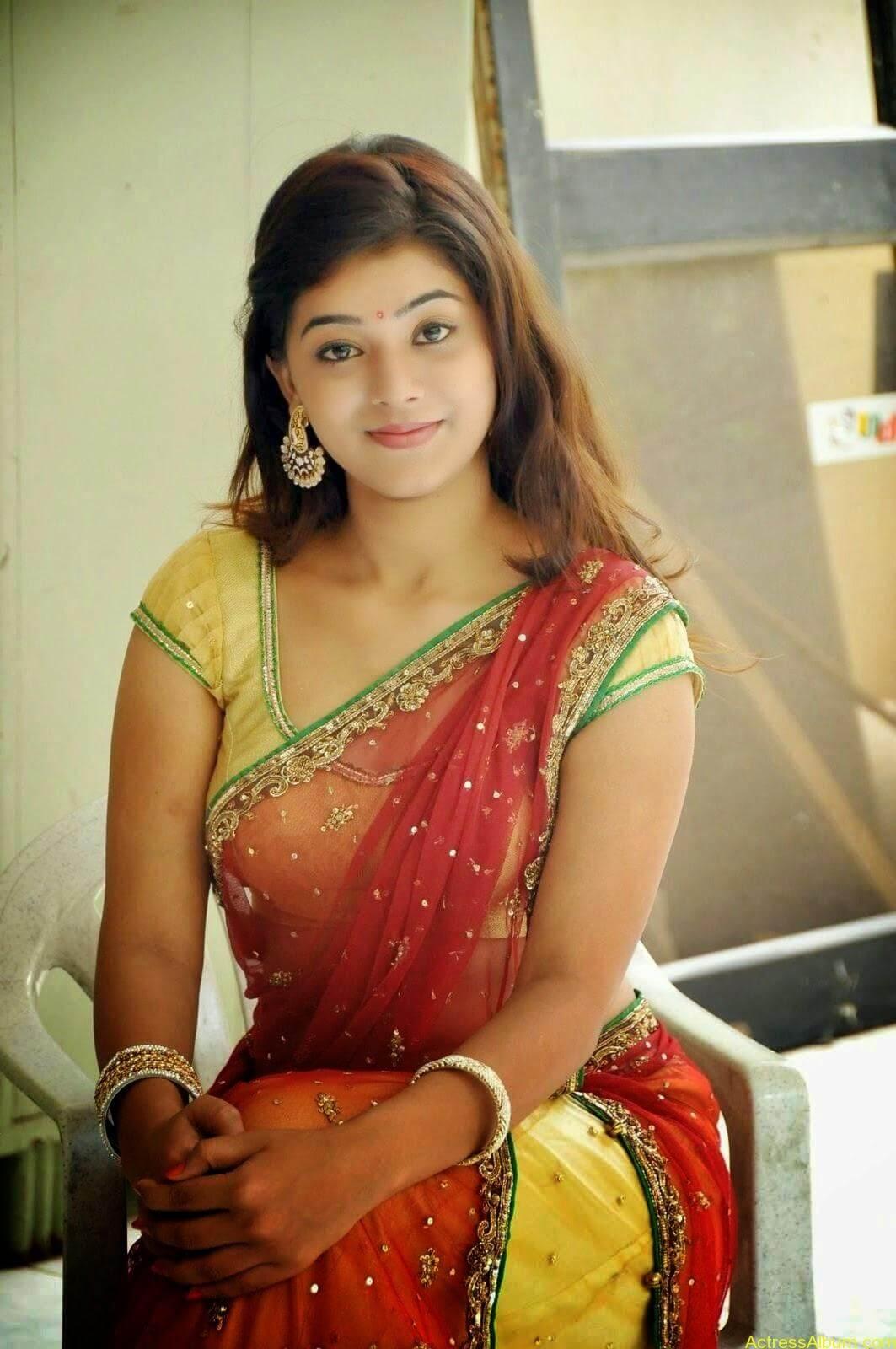 Actress Yamini Hot in Saree stills 9