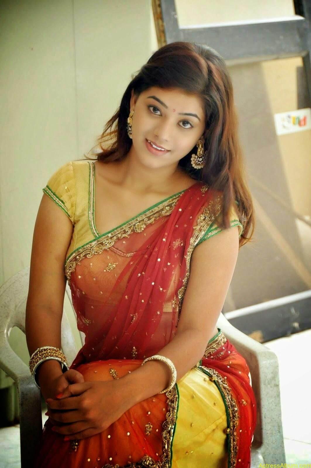 Actress Yamini Hot in Saree stills