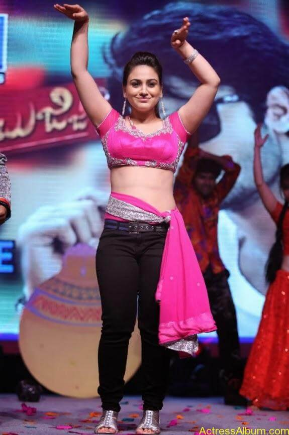 aksha hot stills (10)