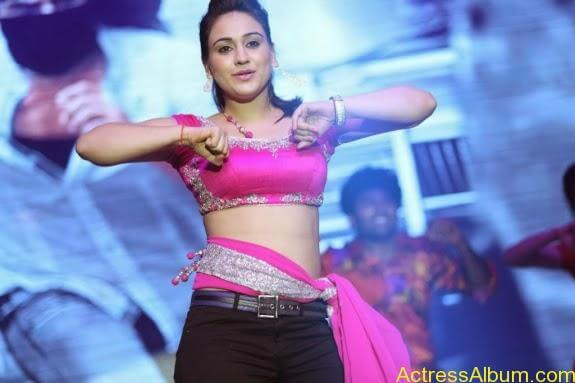 aksha hot stills (12)