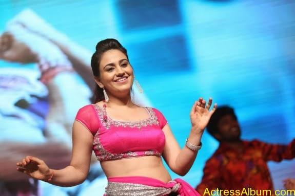 aksha hot stills (15)