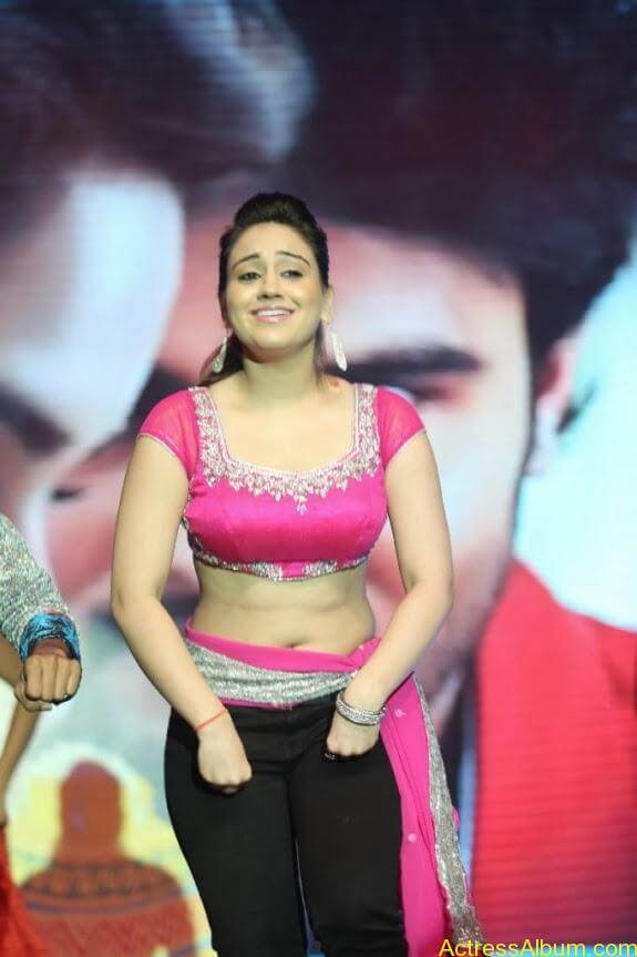 aksha hot stills (7)