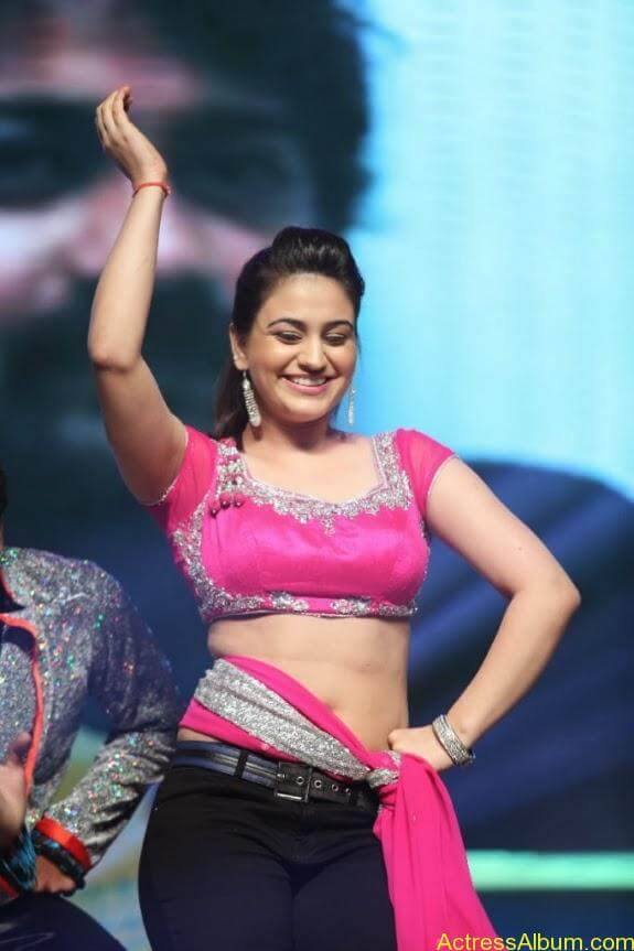 aksha hot stills (9)