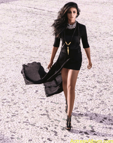 Alia Bhatt Hot  Photo Shoot for Vogue Magazine July 2014 (4)