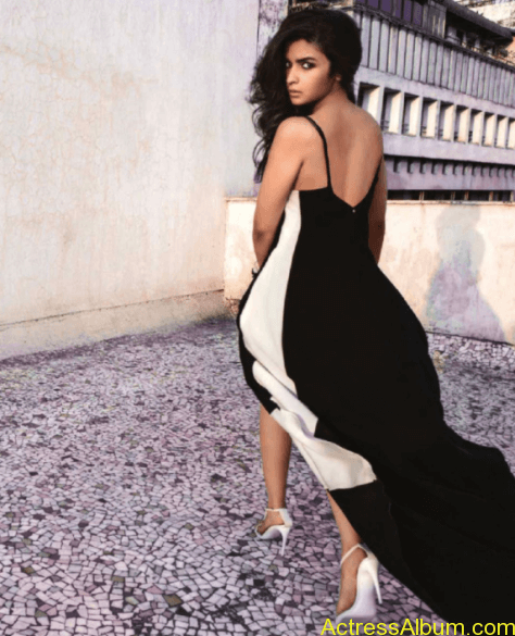 Alia Bhatt Hot  Photo Shoot for Vogue Magazine July 2014 (6)