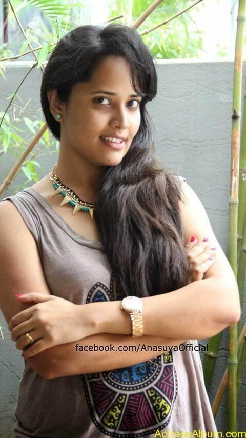 Anchor Anasuya Bharadwaj's Hot Images 13