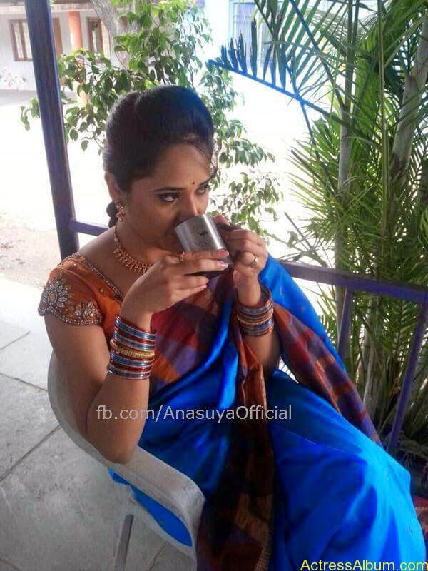 Anchor Anasuya Bharadwaj's Hot Images 14
