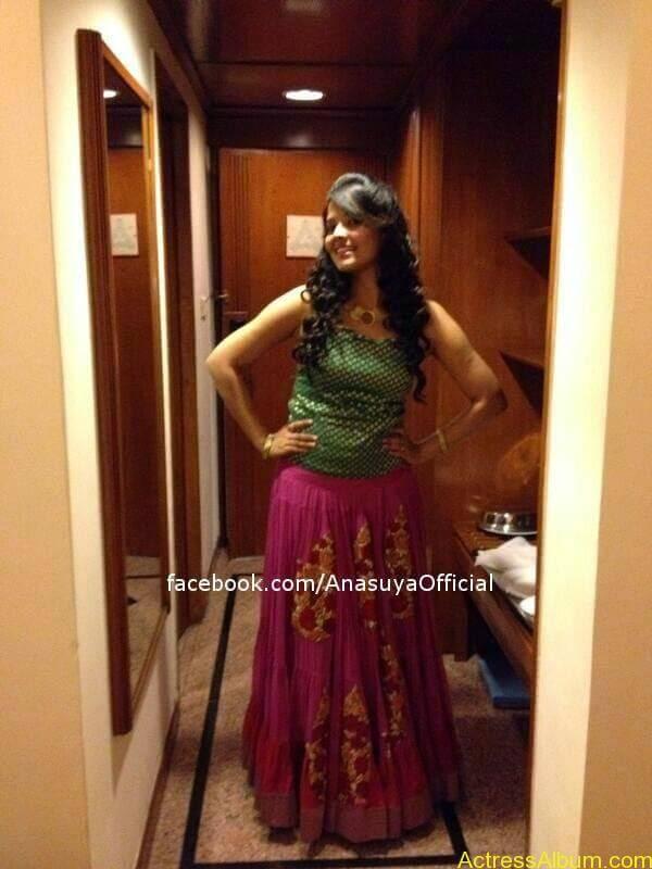 Anchor Anasuya Bharadwaj's Hot Images 3