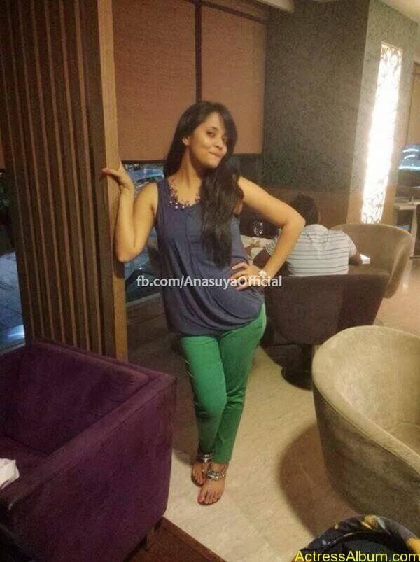 Anchor Anasuya Bharadwaj's Hot Images 7