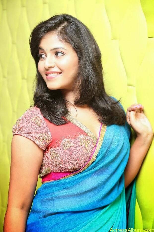 Anjali hot photos at masala movie (16)