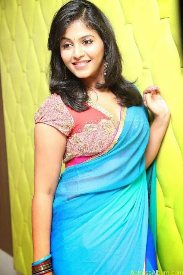 Anjali hot photos at masala movie (18)
