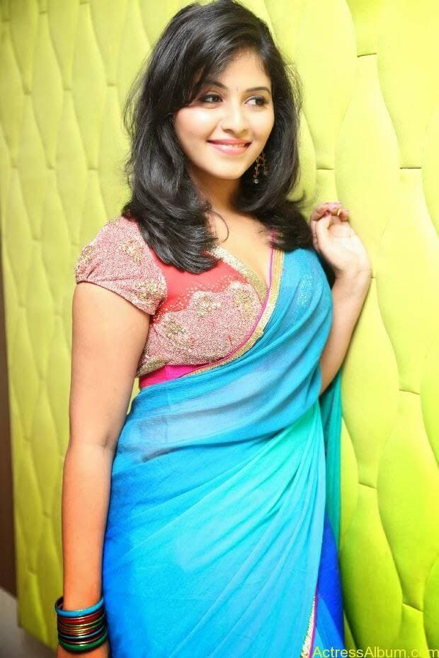 Anjali hot photos at masala movie (22)