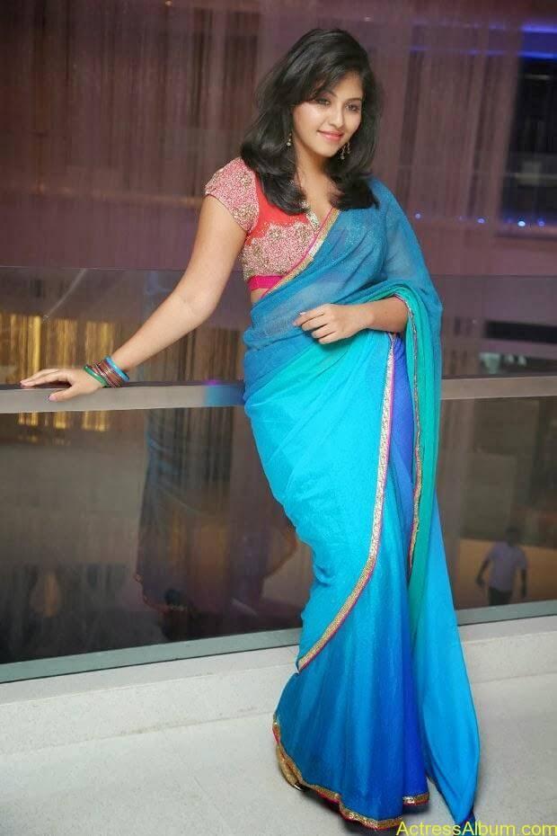 Anjali hot photos at masala movie (24)