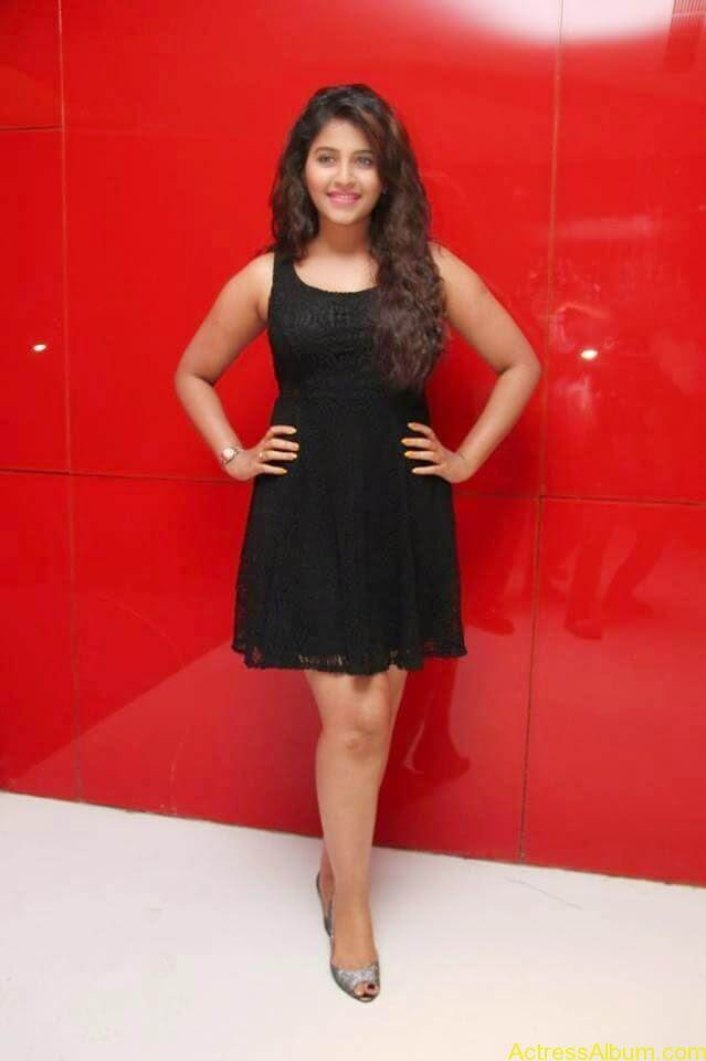 Anjali latest hot stills (2)